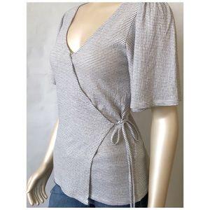 🎁 Lucky Brand Cross Front V-Neck Shirt 🦩